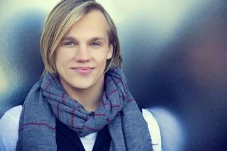 Молдову на Евровидении 2015 представит певец - Eduard Romanyuta.