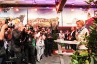 В Вене официально открылся пресс-центр.