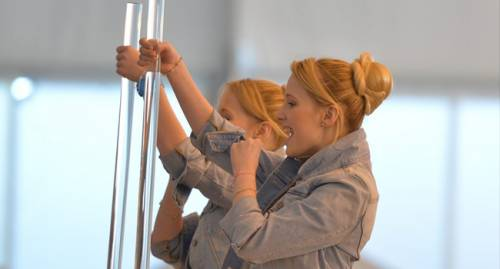 Сёстры Толмачёвы провели первую репетицию на сцене Евровидения 2014.